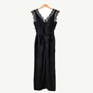 2020 İlkbahar Kolsuz V Yaka Siyah Saf Renk Dantel Kasetli Moda Tulumlar Spagetti Askı Kadınlar tulum D1226279