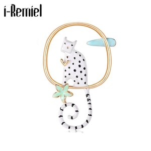 New Cute Enamel Cats Brooches Metal Animal Badge Dress Scarf Buckle Lapel Pins Corsage Gifts for Women Jewelry Accessories