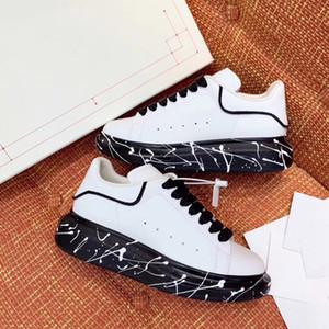 2020 diseñador de moda de lujo para hombre de las mujeres zapatos casuales de cuero zapatillas Negro Blanco Plataforma Graffiti zapatos únicos inferior grueso del vestido de la zapatilla de deporte