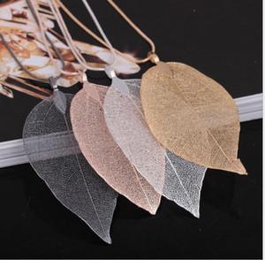 Sautoir en plaqué or naturel True Leaf avec chaîne de chandail à caractère simple