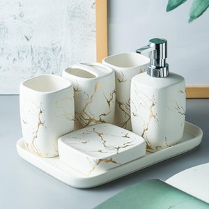 Mármol helado oro Cerámica accesorios de baño Conjunto dispensador de jabón / cepillo de dientes titular / vaso / jabón para lavar platos Suministros para Baños bandeja