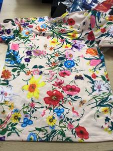 Çift Erkek Tasarımcı Tshirt Bayan Gömlek 2019 Yaz Yeni Lüks Moda Marka Mektup Printd Çiçekler Renkli Tees Tops.