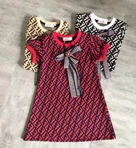 Ücretsiz kargo High end kızlar elbise yaz INS yeni gelenler Kız ilmek mektubu baskılı Tasarım yüksek kalite pamuk bebek yaka çocuk