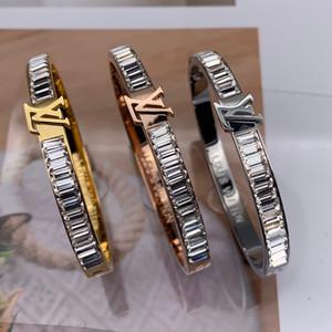 Nunca cair cheio de diamantes 316L de aço inoxidável aumentou ouro 18K mulheres de prata carta casamento Jóia de cristal charme branco pulseira atacado amor