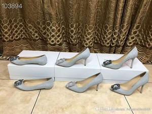 Nouvelles chaussures simples de la série de perceuses à eau améliorées, actrice personnalisée exclusive avec le même style, aller avec des talons de robe d'affaires