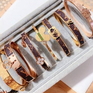 Roman digital titanium steel bracelet lovers bracelet Crown  2020  Lover woman bracelet men's luxury jewelry