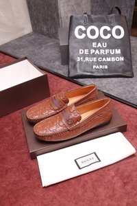 19SS Luxurious Herren Doppel Monk Strap Loafers echtes Leder Braun Schwarz Mens Casual-Kleid-Schuh-Beleg auf Hochzeit Männer Schuh