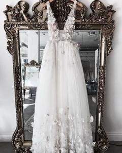Abiti da sposa Pretty Flower 3D Una linea 2019 Sexy Backless Lace Sexy Beach Abiti da sposa Vestido De Noiva Casamento