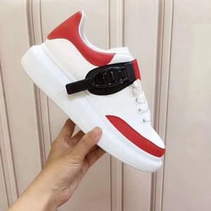 Alexander McQUEEN   Lace Up Platform Oversized Sole Sneakers Bianco Nero Scarpe Donna Pelle Nuova Stagione del progettista moda scarpe di lusso da uomo casual NB01 scarpe