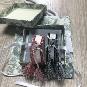 Commercio all'ingrosso braccialetto box tessuto donne D cotone gioielli Lettera Firma ricamo a mano della nappa BraceletBangle Lace-up Bracciale con scatola