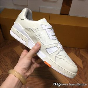Hot style sells high quality mens casual sports shoes cowhide stitching special fabric leather sneaker With original shoe box