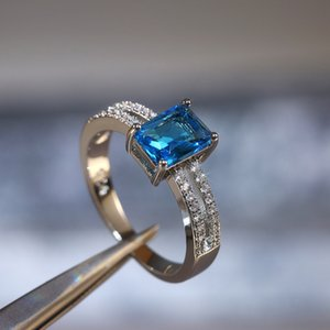 Single Sky Blue Square Women Ring Micro Paved CZ Zircon Engage Ring for Girlfriend Romantic Blue Party Engagement Jewelry