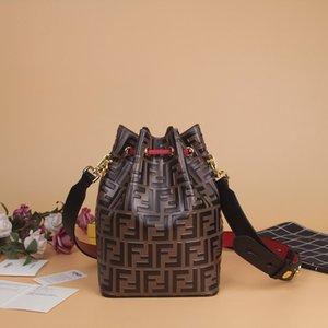 2020 Couro Nova carta FF Retro Embossed presbiopia Embossed cordão Bucket Bag Shoulder Messenger Bag 03