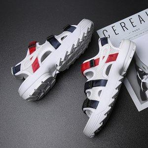 2019 Corea del estilo verano tendencia de moda Versitile ocasionales respirables extra zapatos Los hombres Sandalias Sandalias Lx555
