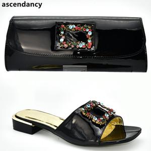 Scarpe nuove donne di modo e sacchetti da abbinare Set Italia coordinati scarpe e borsa Set decorato con strass scivolare su scarpe per le donne