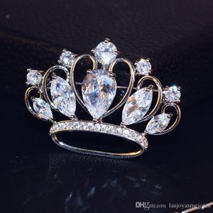New trendy fashion luxury designer glittering cute lovely diamond zircon crown pin brooches jewelry for woman girls