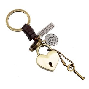 2019 New Fashion Men Women Gift Keychains High Quality Creative Knitting Leather Vintage Bronze Alloy Heart Key Rings Wholesale LK003