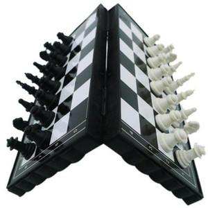 2020 récent en plastique pliable magnétique Échiquier Concours International Jeu d'échecs Jouets en plastique pliable magnétique Pocket Chess