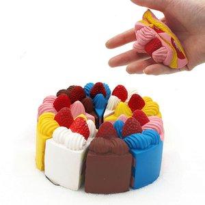Décompression jouets PU pour les grands enfants Cognition Simplicité pour enfants lent Rebond Squishy Simulation Triangle Strawberry Cake Cinq couleurs
