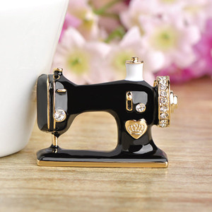 Christmas Sewing Machine Shape Brooch Pin Party Ornaments Gift Xmas Corsage