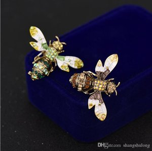 2018 high-grade bee brooch women's accessories fashion animal pin decoration suit jacket brooch pendant dual-use Z123