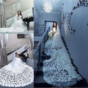 Lujo 3D Floral Mariposa vestidos de novia 2019 Dubai árabe de lujo más el tamaño del tren de la catedral cariño Jardín vestidos de boda al aire libre