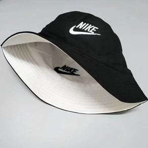 Marca de moda los sombreros del cubo del diseñador de cuero de lujo para hombres y mujeres plegables sombreros de playa sombrillas pescador negro venden plegados casquette73390