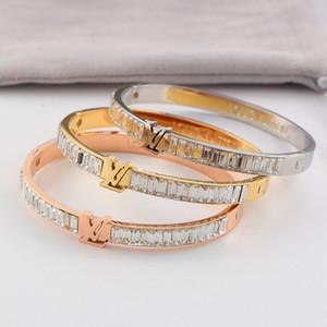 Estilo clásico Pareja Pulseras Moda 18K titanio brazalete de acero plateado para la letra del novio Rhinestone lleno pulseras de la personalidad