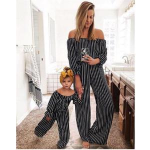 Полосатый комбинезон Mommy And Me 2019 Family Matching Clothes Новорожденные девочки Комбинезон с открытыми плечами Мама и дочь Летняя одежда