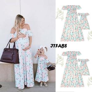 2019 Neue Familie Passende Kleidung Mode Short Sleeve-Boot-Ausschnitt Light Green Blumenkleid Knie-Länge Mutter und Tochter Kleid