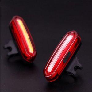 Feux arrière de vélo rechargeables USB - Feu arrière de vélo étanche ultra lumineux de 120 lumens, 6 modes, facile à installer, rouge / bleu, peut être complet
