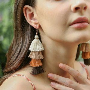 Orecchini pendenti multistrato a pendenza lunga con frange calde della Boemia Gioielli moda donna Ciondola il tessuto di seta Orecchini con nappe etniche Regalo