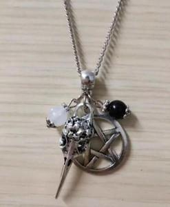 Vintage Style Corbeau Tête De Crâne Pentagramme Noir Blanc Perles Pendentif Collier Charm Punk Gothique Bijoux - 72