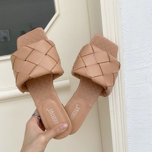 Branded femmes rembourré Sandales Chic Summer Girl Appartement confortable Slipper Lady cuir matelassée Squared Sole Diapositives Mule