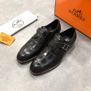 Loafer'lar Yüksek kaliteli erkek dres Ayakkabı Giyinme İngiltere Adam Ve Bir Pedal Metal Toka Oxfords İş Casual Mens Of Erkek Deri