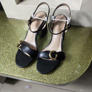damas clássico de luxo de estilo bens chinelo novo europeus sapatos de salto alto Sandália de couro puro genuína carta de ouro cinto de fivela adorno