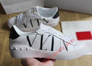 2020 newHot Sale fashion Casual Shoes men women sneaker Studded shoes woman shoe man lady boy girl flat shoe xshfbcl