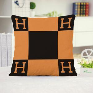 Designer de Moda Vintage velo preto Pillowcase letra H Tampa Europeia Pillow Covers Lã Lance fronha 45x45