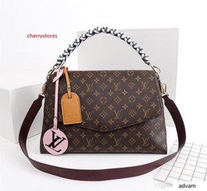 Hot 2020 Latest Fashion Bags, Men And Women Shoulder Bags, Handbags, Backpacks, Crossbody Bags, Waist Pack. Size 28cm*20cm*10cm 01