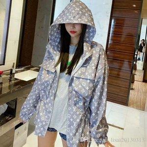 Para protegerse del sol chaqueta impresa de manga larga y chaqueta con capucha de longitud mediana y holgada gran celebridad web de edición para las mujeres