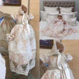 Soft Pink Lace Christening Robes pour les filles bébé manches courtes cristal Sash Appliqued Baptême Robes de Mariée avec Bonnet robe de première communication