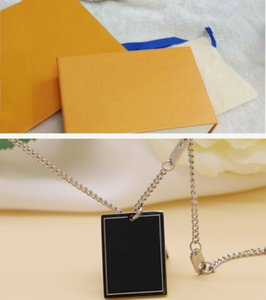 Collana progettista delle collane del pendente di lusso per la Mens Collana Donna Jewelry Designer fuori ghiacciato alta qualità del pendente