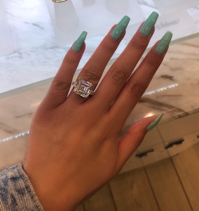 Chouchong Unique Brand New Luxury Jewelry Real 925 Sterling Silver Emerald Cut White Topaz Large Diamond Party Women Wedding Band Ring Gift