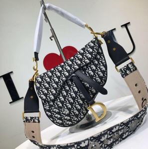 5A Kalite Klasik Yeni Retro Kadın Kaliteli Tasarımcı Moda Çanta Bayan Omuz Çantası Bez Çanta Eyer Çanta