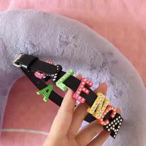 Femmes Desiigner Lettre Collier Ras Du Cou En Cuir PU Lettre Collier De Luxe pour Cadeau Party Discothèque Argent Multicolore