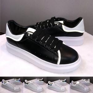 Ucuz Womens Siyah Beyaz Günlük Ayakkabılar En Yüksek Kalite Moda Sneakers Parti Platform Ayakkabı Kadife Chaussures Sneaker