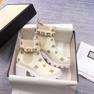 Sapatas das mulheres senhora botas curtas Designer salto alto Mulheres botas com fivelas metálicas Botas Couro Moda