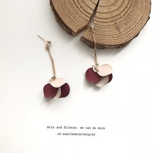 The Wine Red Petal Tassel Earring That Shows Temperament Female Contracted Joker Copper Pendant 925 Long Paragraph to Hit Lubricious Earring