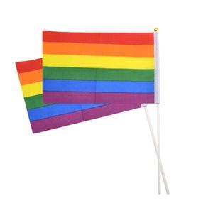 Arco-íris do orgulho gay da vara da bandeira 20 * 30cm Bandeira Mini Mão agitando bandeiras Pega Usando Com Ouro Top HHA352