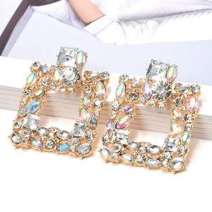 De nouveaux cristaux colorés Place métal Dangle Boucles d'oreilles de mode de haute qualité Accessoires de bijoux en strass pour les femmes en gros